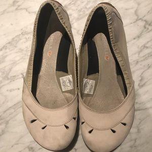 Merrell ivory barefoot flats